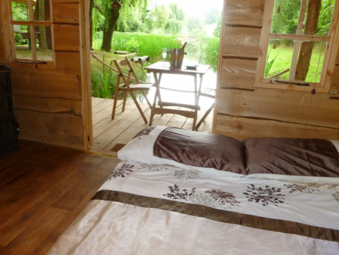 Temevale Alcpacas & Glamping Cabin interior